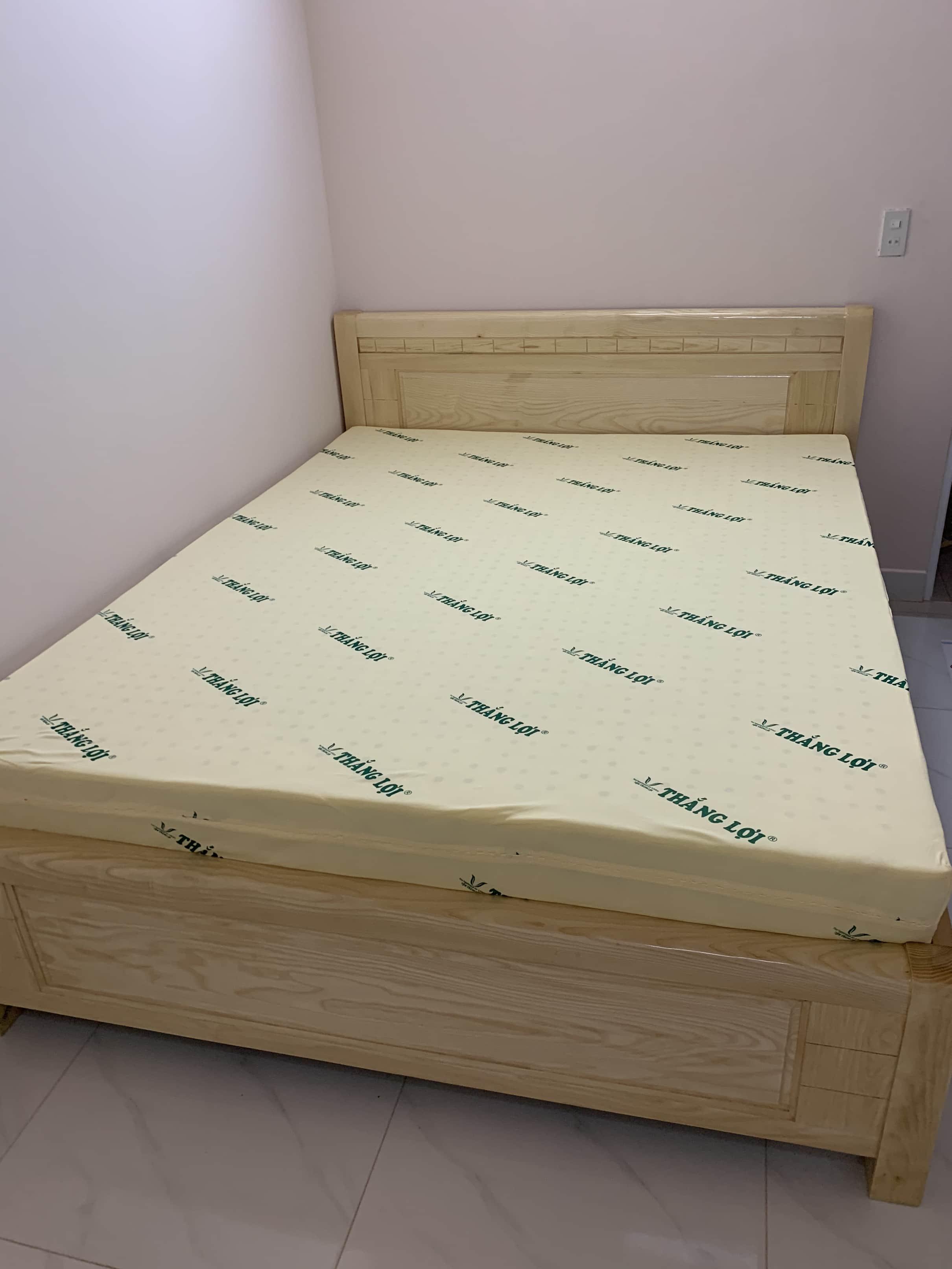 Giường gỗ sồi 1m4